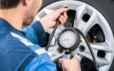 4 Tips To Correctly Check And Maintain Your Tire Pressure